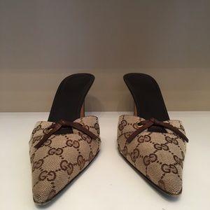 Vintage Gucci Monogram Bow Tie Mules